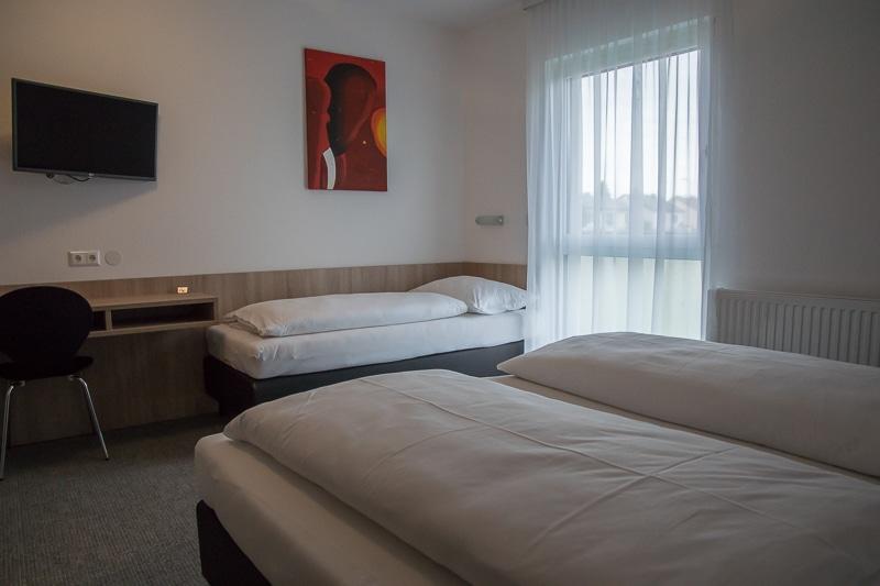 bernstein-motel-005