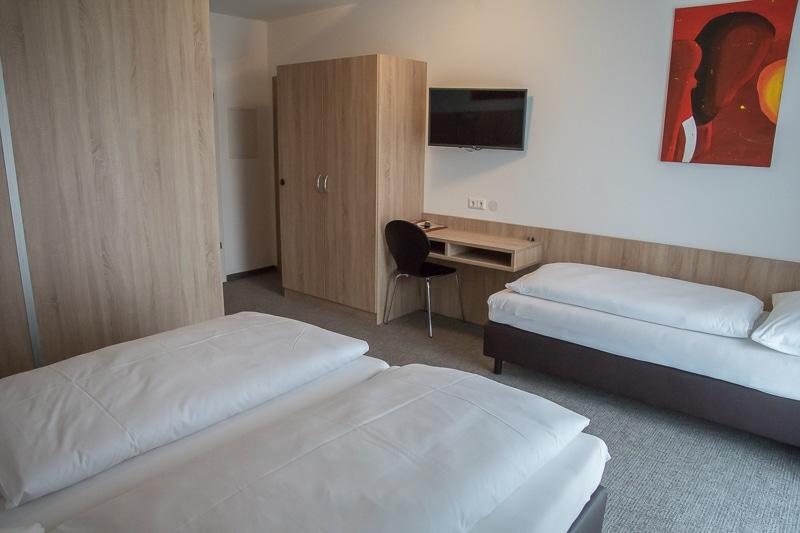 bernstein-motel-006