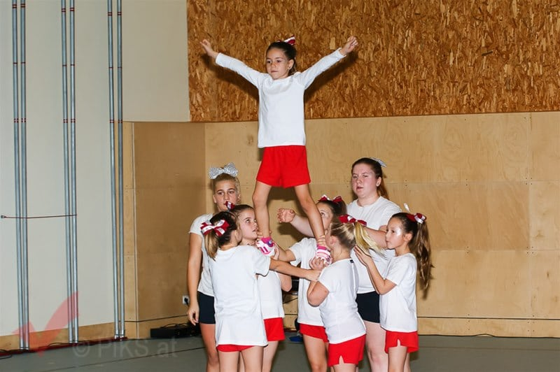 panthers_cheerleaser_50