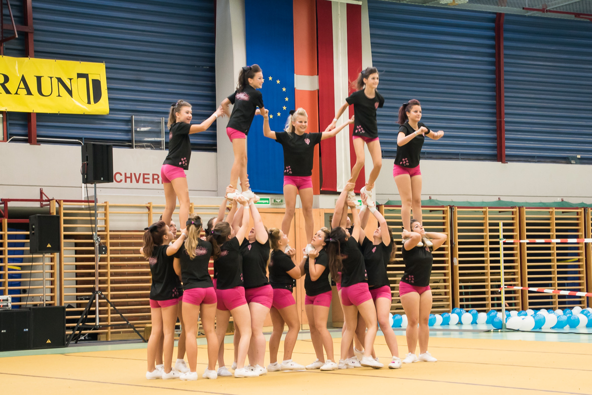 Pink Panthers Cheerleader 25