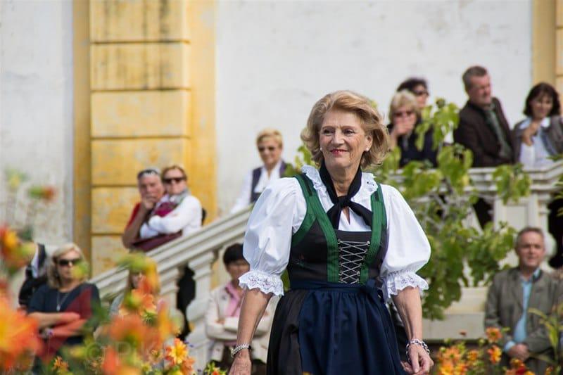 erntedankfest_schlosshof_trachen_modeschau_oldtimertraktoren_16