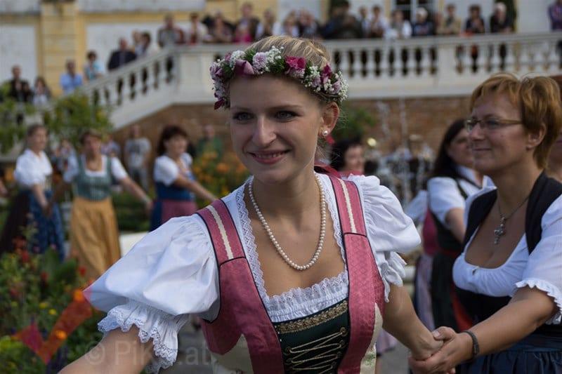 erntedankfest_schlosshof_trachen_modeschau_oldtimertraktoren_28