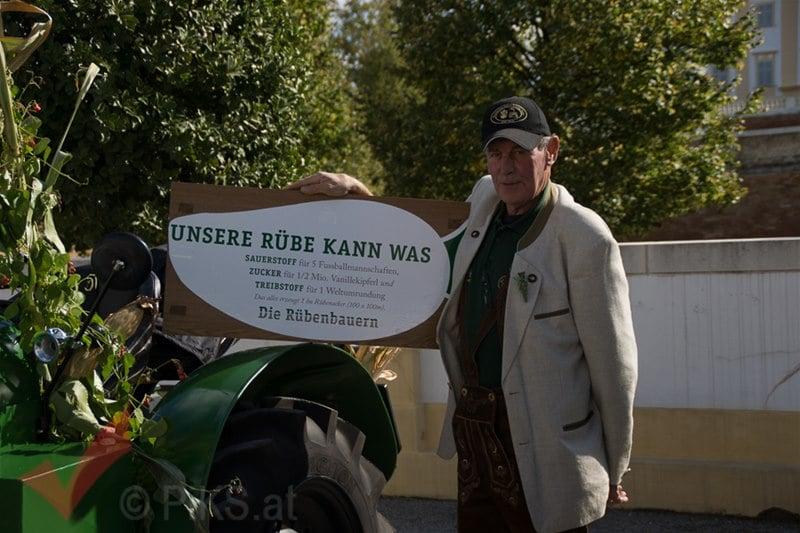 erntedankfest_schlosshof_trachen_modeschau_oldtimertraktoren_36